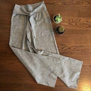 Aritzia knit wide legged grey pants in XS
